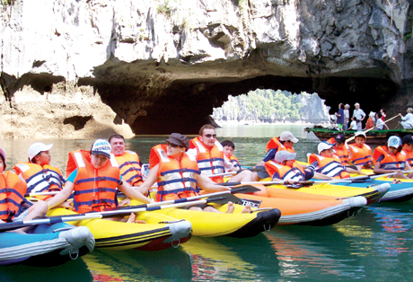 Du lịch vịnh Hạ Long hấp dẫn