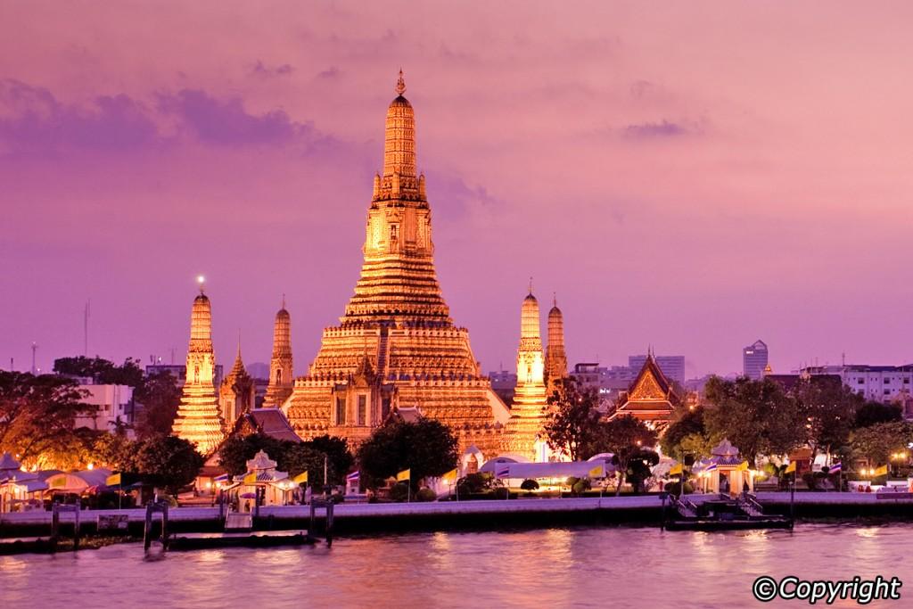 Chùa Wat Arun biểu tượng của Thái Lan