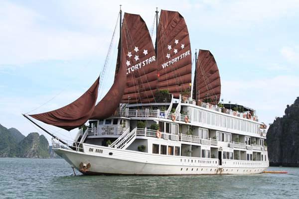 Du thuyền victory star