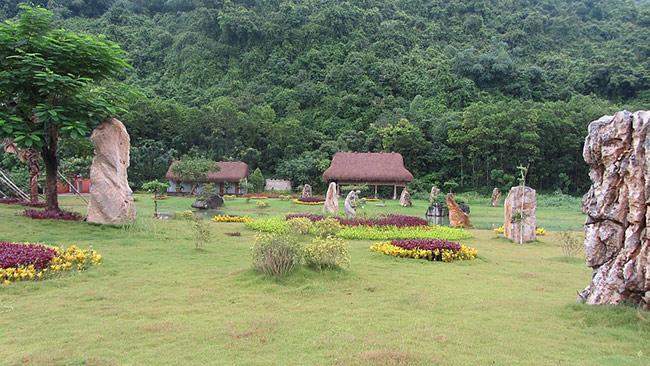 Khu du lịch Thung Nham