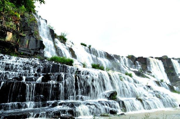 Thác Pongour đẹp kì vĩ giữa núi rừng Đà Lạt