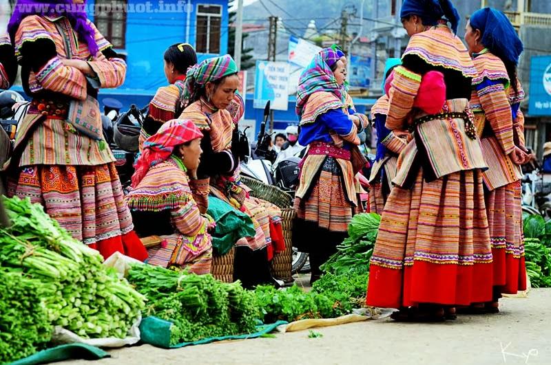 Phiên chợ Bắc Hà nổi tiếng ở Sapa